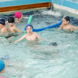 Свободное плавание в детском бассейне